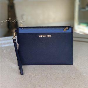 NWT❗️Michael Kors Wristlet& Clutch Light blue/navy